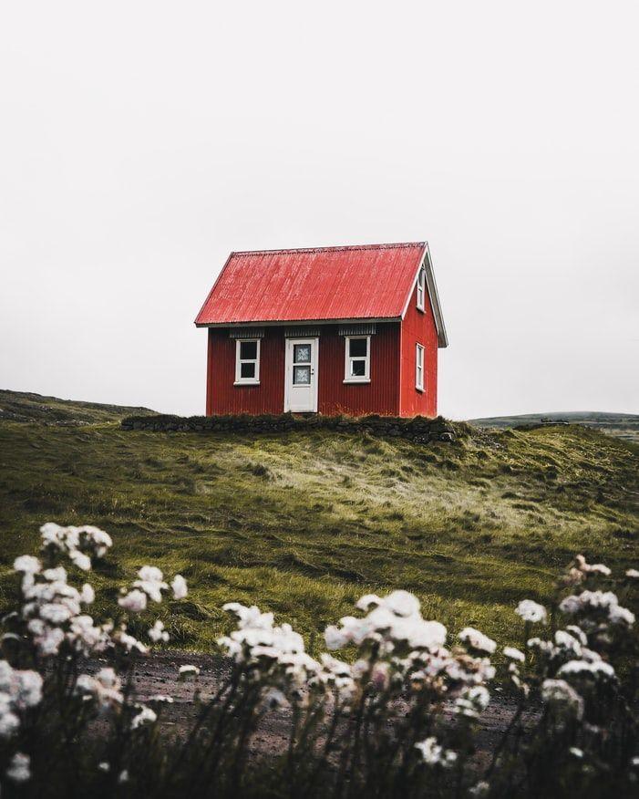 Zelf de database doorzoeken of woningen aanbieden?